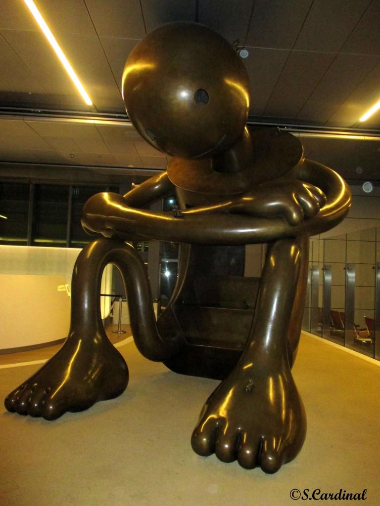 15-09-12.Homme.AeroportQatar